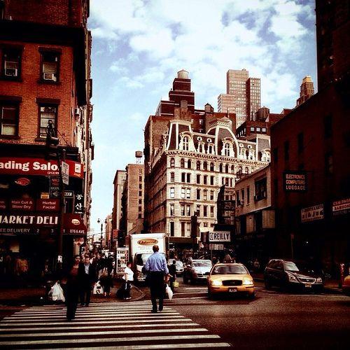 #nyc #newyork #meltinpot #manhattanportage #bags #thebigapple #lagrandemela #denim #jeans #travelling #usa #unitedstates #america #centralpark #city #manhattan #village
