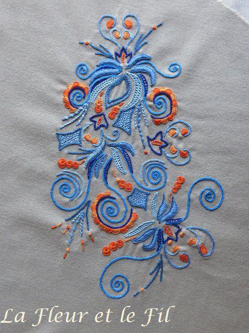 [Broderie] Un motif glazig sur une jupe en laine