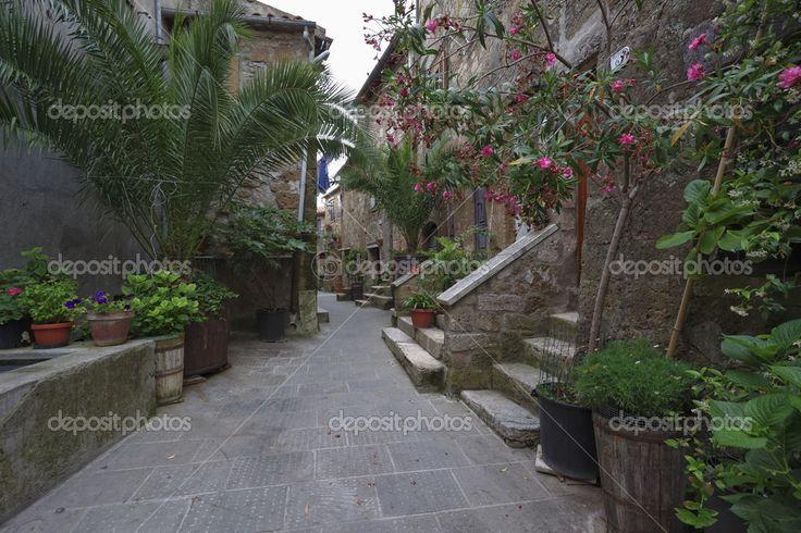 Città di Italia, Toscana, pitigliano, vecchie case di pietra ...