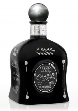 Casa Noble Single Barrel Añejo Tequila is an individual work of unparalleled quality. We at Casa Noble are proud to bring a limited number of single barrel edition tequilas to aficionados who truly appreciate the mastery of the finest aged spirits in the world.