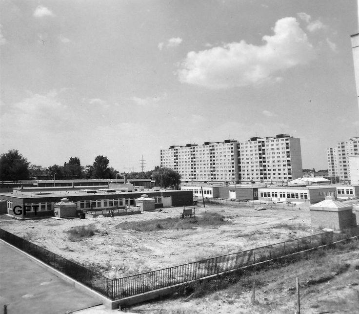 Hajlat utcai óvoda és bölcsöde készülőben lévő komplexuma, 1978 nyarán.