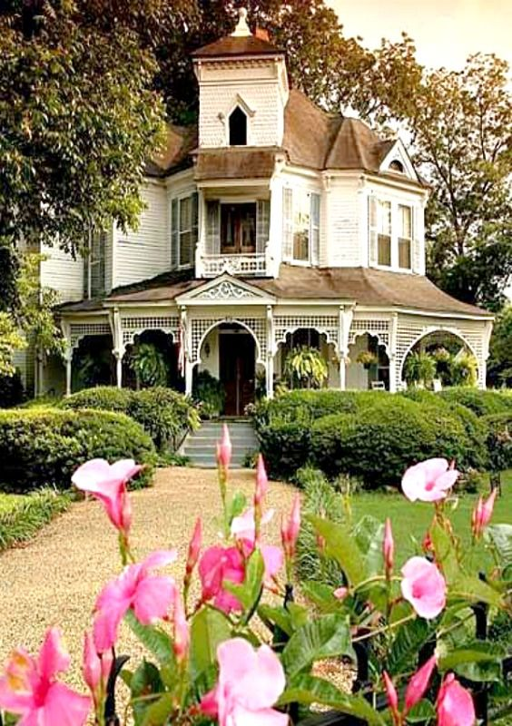 Victorian in GA, photo by Beth Yarbrough