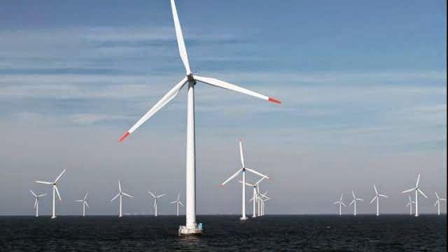 SOLENERGIA SARDEGNA- Un inverno particolarmente ventoso ha dato la possibilità al più grande parco eolico offshore del mondo, il London Array, di segnare un nuovo record. La produzione energetica da ottobre 203 ad aprile 2014 ha infatti toccato gli 1,5 TWh confermando che il London Array....  #EolicoSardegna #ImpiantiEolici #ParcoEolico #LondonArray