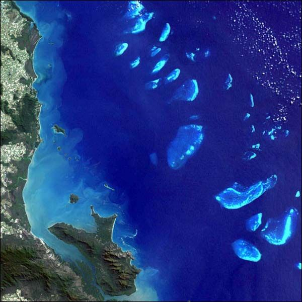 Satellite image shows islands of the Great Barrier Reef.