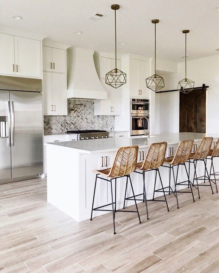Opt For Wicker Bar Stools And Deco Light Fixtures For A Boho Chic Twist On Your Classic Kitchen Deco Classic Kitchen Decor Wicker Bar Stools Home Decor Kitchen