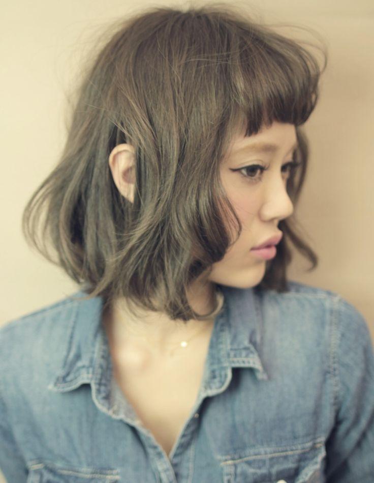アッシュカラーで大人っぽく♪ 参考にしたいベビーバングの髪型一覧。