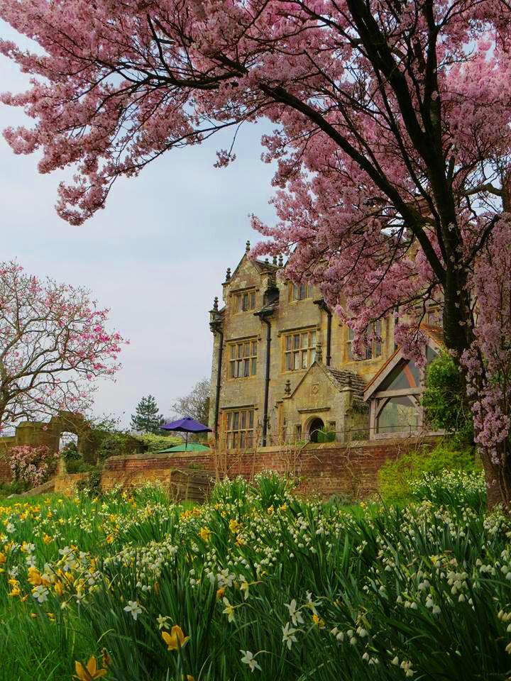 Gravetye Manor. Hotel and restaurant in the woods. United Kingdom, West Hoathly. #RelaisChateaux #GravetyeManor #Manor #Spring