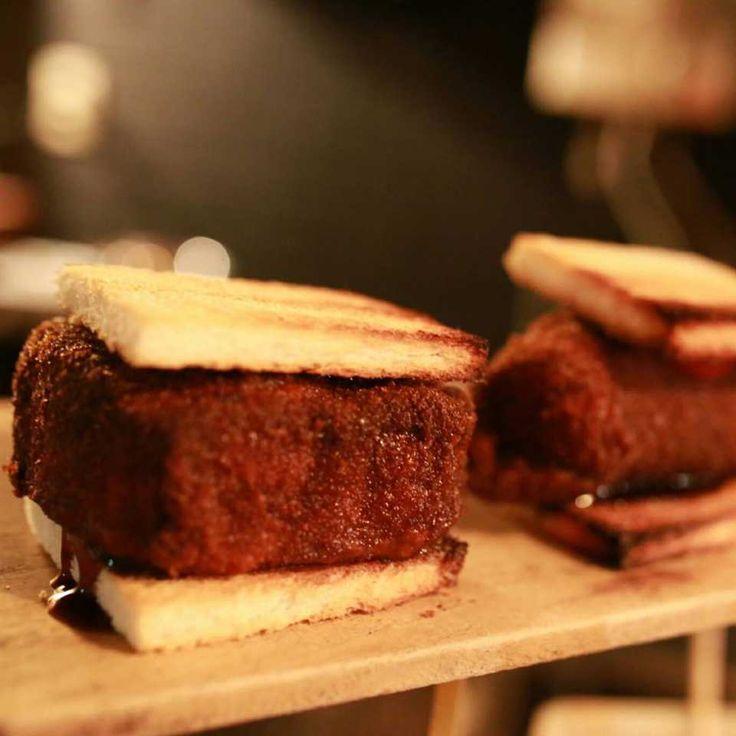 4cm超え!? 京都「とんかつ清水」の極厚カツサンドは夜限定の禁断グルメ♩ - macaroni