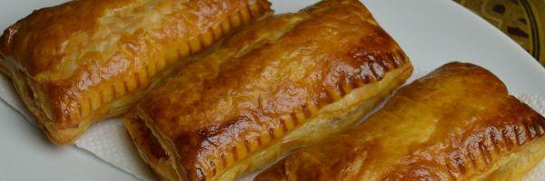 Indische saucijzenbroodjes | Kokkie Slomo - Indische recepten