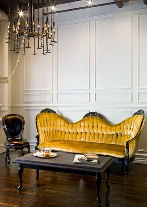 Pepper Pastor Salon. The Pepper Pastor salon near South Street Seaport is working an old-world angle, offering full tea service and a classically glamorous ambiance, complete with an antique Victorian sofa and dizzyingly pretty chandelier.