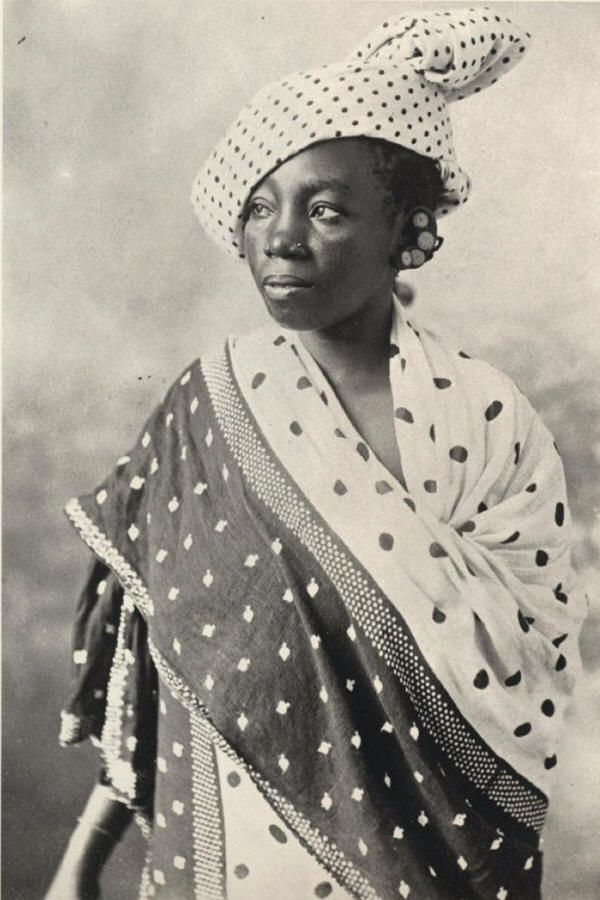 I see style and graceZanzibar, Travel Planners, Vintage Africa, Inspiration Women, Portraits Photos, Black History, African Women Coutinho C1890, African Culture, Coutinho Brother