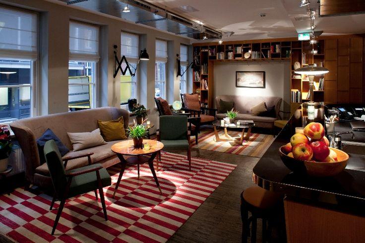 Henri Hotel Hamburg http://mylovelyhamburg.me/2015/02/08/schlafen-wie-zuhause-die-schonsten-hotels-apartments-in-hamburg/
