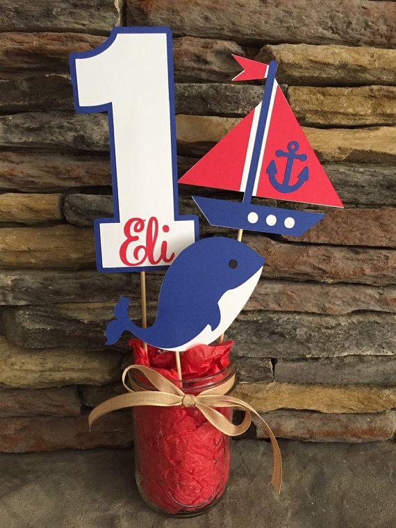 Centro de mesa temática náutica feliz cumpleaños por PaperMadeParty                                                                                                                                                                                 Más