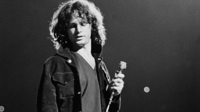 http://kluv.radio.com/2018/01/05/the-doors-street-signs-los-angeles/ The Doors honored at Los Angeles intersection.