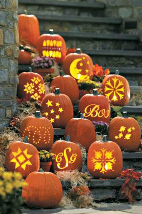 10 Ways To Pumpkin Ify Your Fall Wedding Classy Halloween Pumpkin Display Halloween Pumpkins