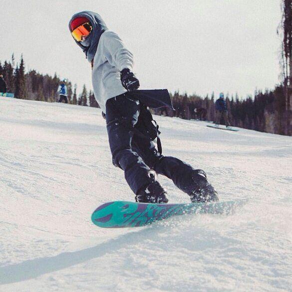 #SomosLaNieve    #OchoBajoCero    by: @burtongirls #SomosLaNieve #Fiesta #Nieve #Ski #Snowboard #Formigal #Forfait #Musica #Experiencia #Diversion #Asegurada #Disfruta #Barato #Sierra #Montaña #TuMomento #OchoBajoCero #GrupoOcho #Snow #VarsFob #tricksnowboard #TricksnowboardTrip #aramon #freeski #snowpark #snowboarder #dnns #dontneednosamurai #nosamurai