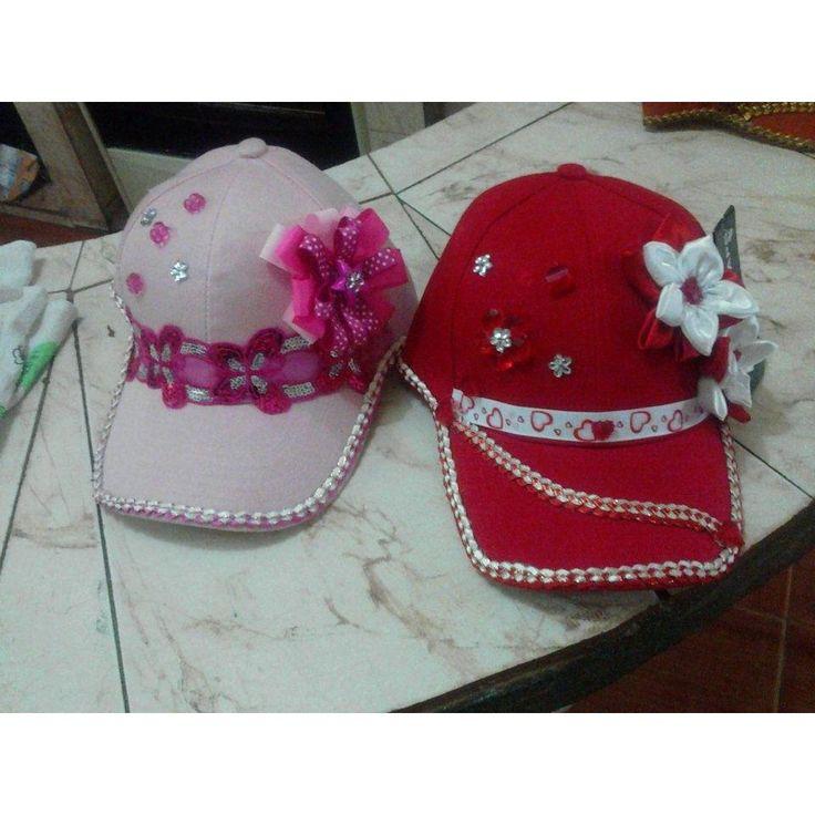 gorras para niñas decoradas - Buscar con Google                                                                                                                                                      Más