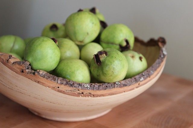 How to Eat and Cook With Guava (4 Recipes)---Attention aspiring foragers. You may not have to go as far as you thought to gather your food. Just look up, or check out the aroma, as these wild fruits are strikingly fragrant. If you're not originally from Los Angeles, you may be unfamiliar with the guava fruit. Guava trees,...