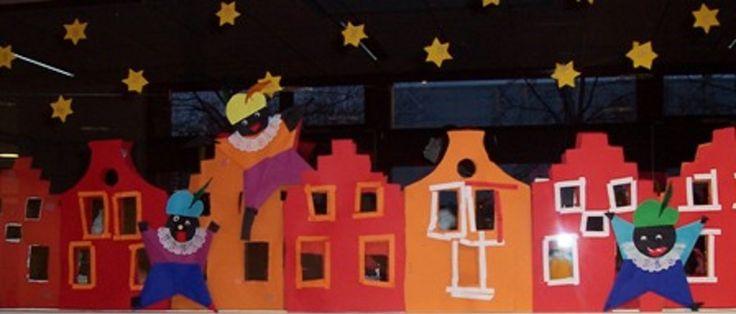 * Raamversiering! TIP: Als je de pietjes weghaalt kun je de huizen voor de kerst laten versieren met een randje  sneeuw!
