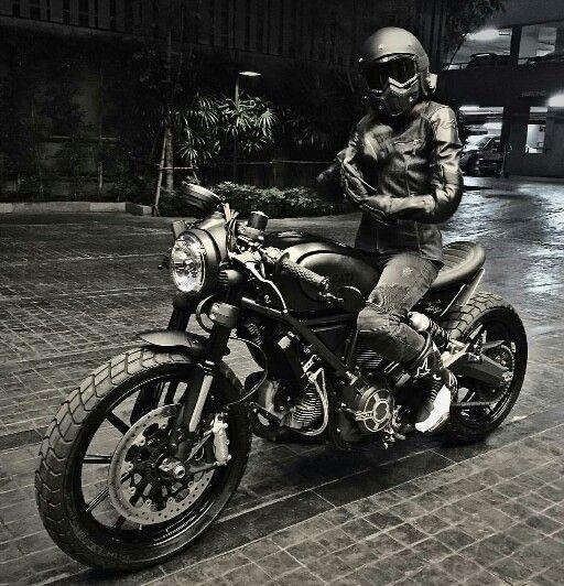 Ducati Scrambler custom Cafe Racer