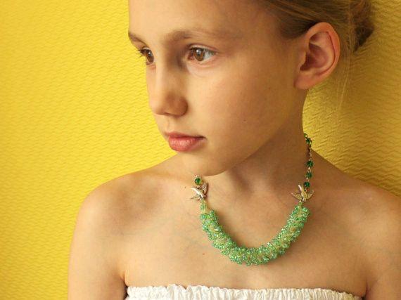 Ketten -  Grüne Halskette für Mädchen - ein Designerstück von SalixCinerea bei DaWanda