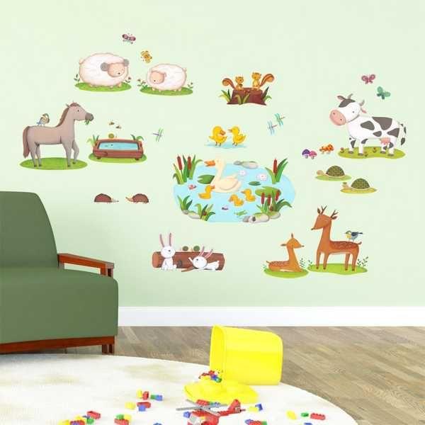 Kinderzimmer Wandtattoo bunte Feldtiere Wohnansicht