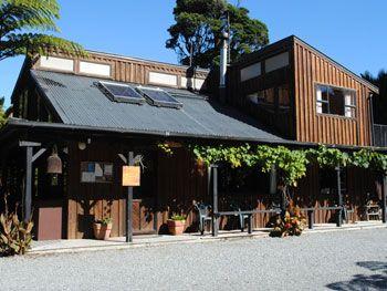 Te Ruru Lodge. www.tenikauretreat.co.nz