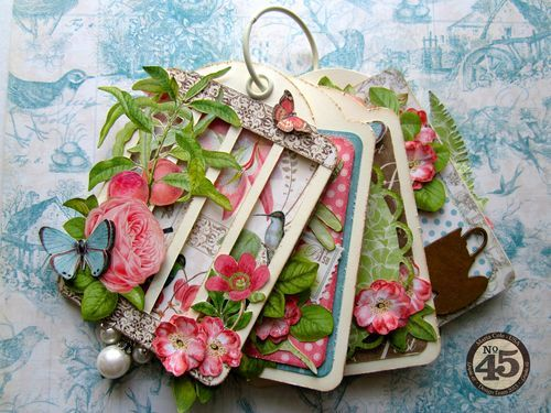 This beautiful Botanical Tea tag mini is by the amazing Maria Cole! Love the cage cover on the front, gorgeous! #graphic45