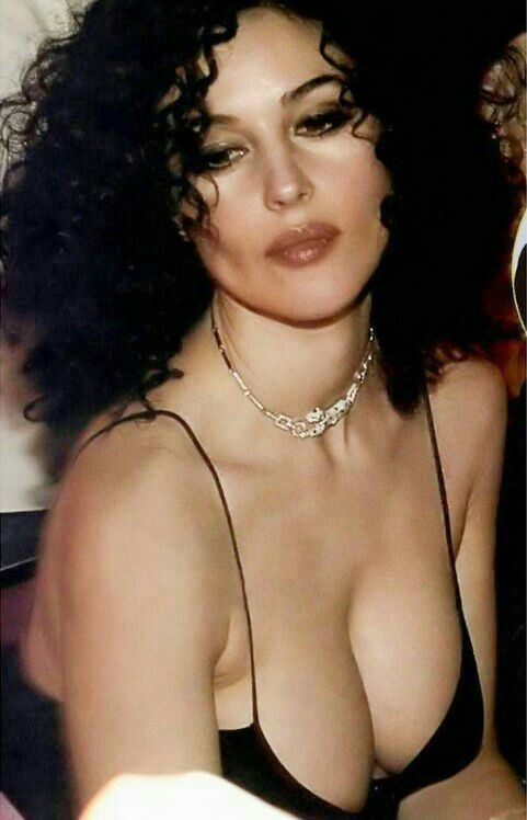 Monica Bellucci give me one of your stress balls...I need to destress myself..