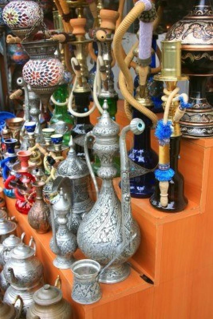 Variedad De Artículos De Turquía A La Venta En El Gran Bazar De Estambul Fotos, Retratos, Imágenes Y Fotografía De Archivo Libres De Derecho. Image 11889883.