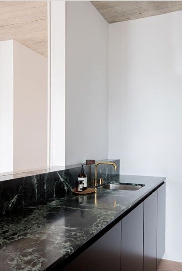 Green marble sink top