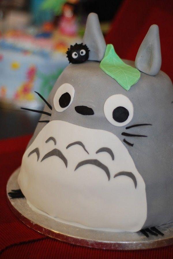 Top 12 des plus beaux gâteaux Totoro, ceux qui sont beaucoup trop cools pour être mangés