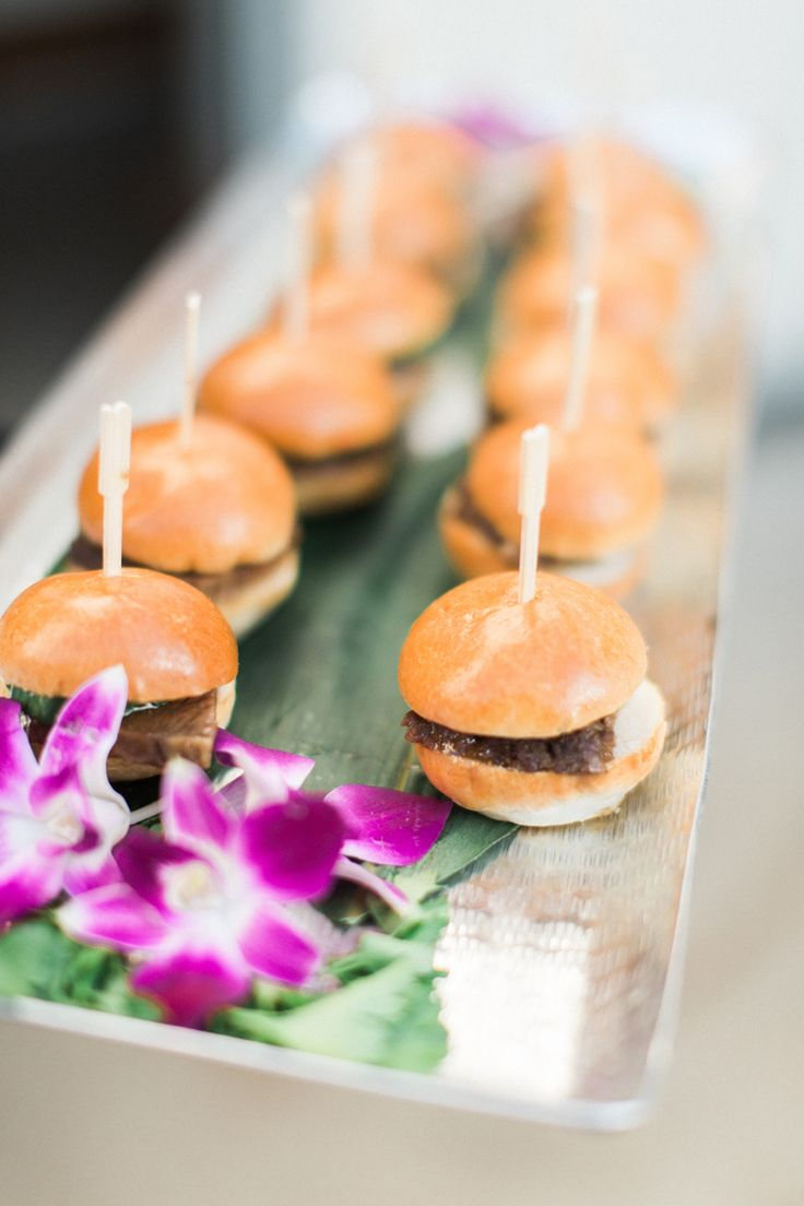 Wedding appetizer ideas: hamburger sliders. So cute! (Caroline Tran Photography)