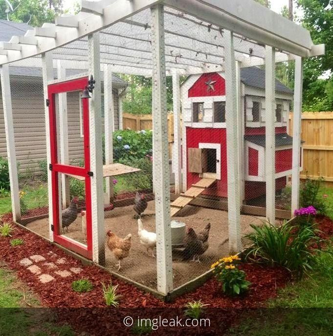 Who knows, maybe some day I'll have a few chickens! This would be a cool setup for them. Looks pretty too.