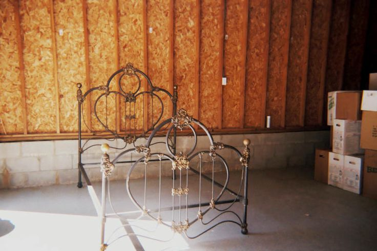 1000 Images About Antique Iron Beds On Pinterest Shabby
