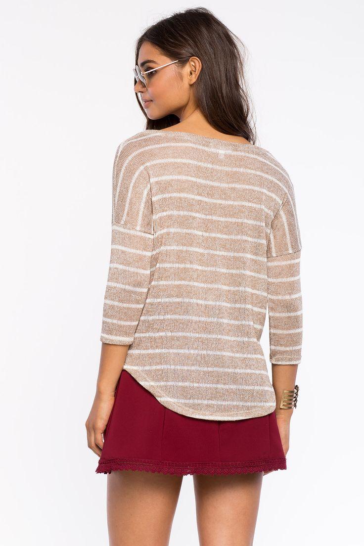 Полосатый топ Размеры: S, M, L Цвет: коричневый c принтом Цена: 1013 руб.  #одежда #женщинам #топы #коопт