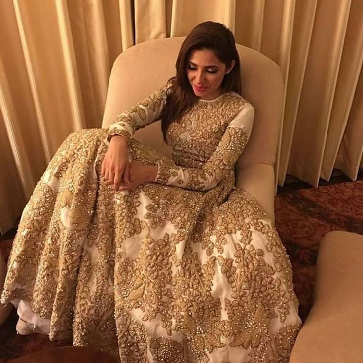 PLBW L'Oreal Bridal Week 2016 Celebrities Pictures #pfdc #plbw #celebrity #mahira #khan