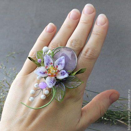 Flower ring /  Перстень Аметист Лэмпворк Кольцо сделано на натуральном камне - в данном случае - это лавандовый аметист. Цвет удивительно нежный, и полупрозрачый