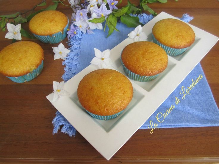 Anche senza uova, burro e latte potete preparare dei semplici e deliziosi Muffin leggerissimi alle Arance per conquistare il cuore di chi amate