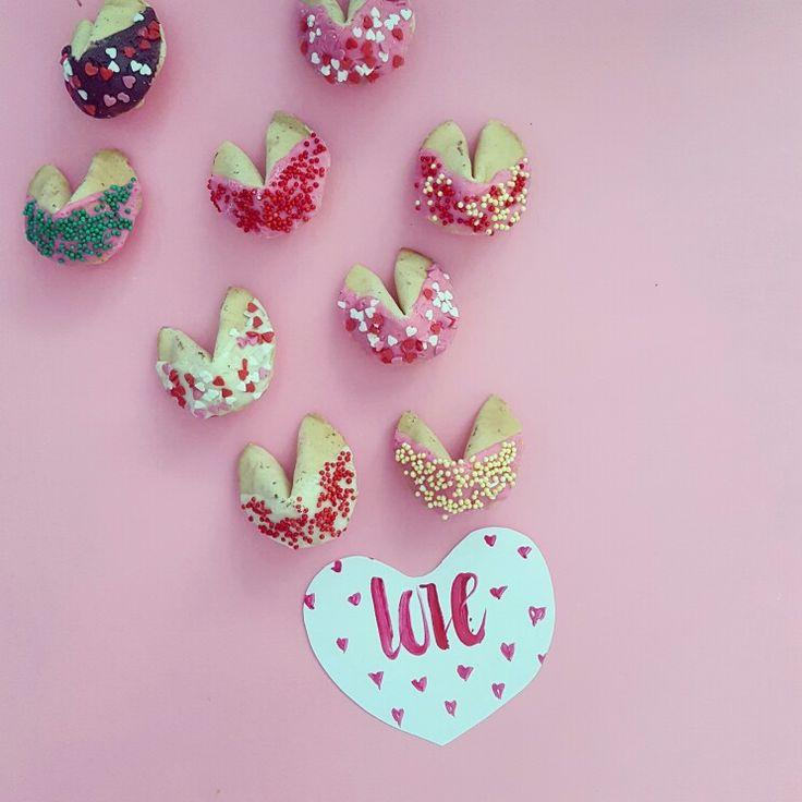 Печенье с предсказаниями купить в Москве  Fortuna cookies in Moscow  #впеченьке #впеченькеру #печеньеспредсказаниями #печеньеудачи #fortunecookies