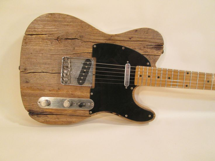 MGK Reclaimed Pine Barncaster Built with Fender Telecaster Parts  Fender Tel -> Table Bass Télé