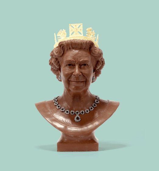 Queen Elizabeth II by the talented @plungeproductions. #inked #inkedmag #chocolate #queen #elizabeth #portrait #art #ink #yummy #food #create