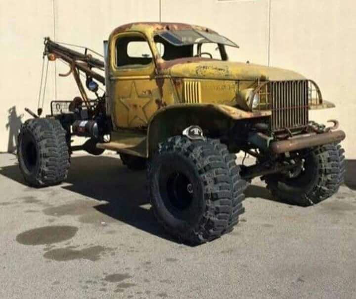 Really awesome Dodge Power Wagon tow truck                                                                                                                                                                                 Plus