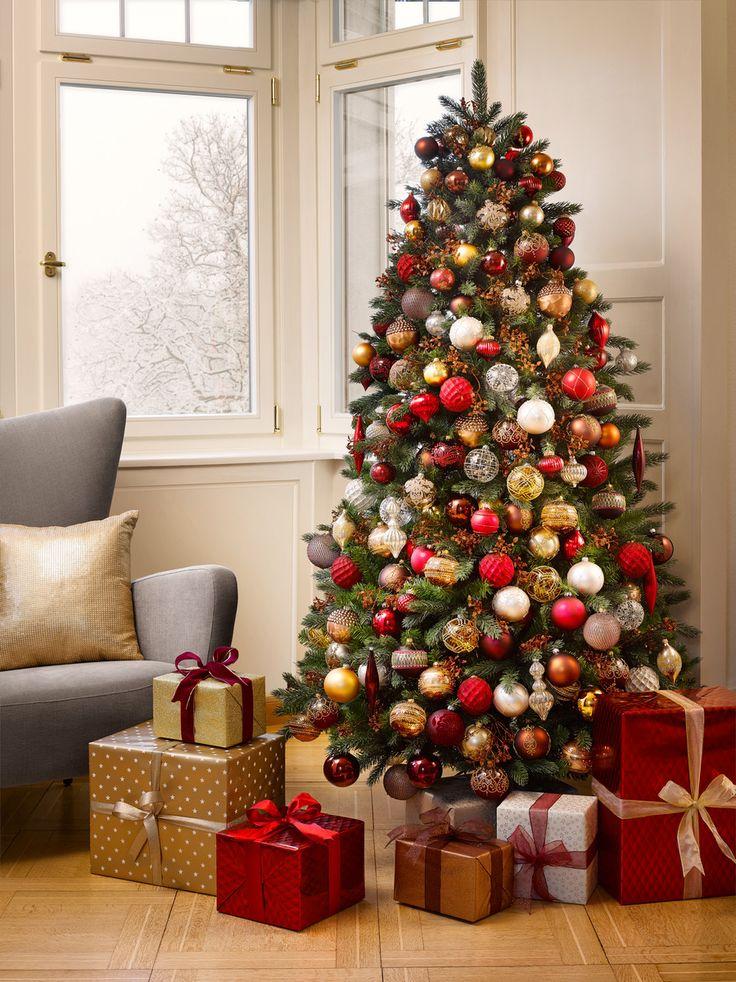 Ein Traum vom Baum: Erst der Baumschmuck macht aus einer Tanne  einen unwiderstehlichen Weihnachtsbaum. Der Fantasie sind dabei keine Grenzen gesetzt.