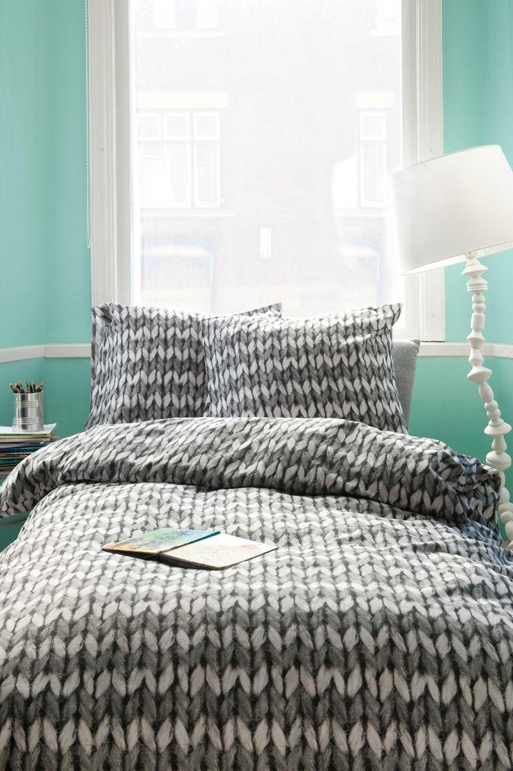 De gebreide print op dit dekbedovertrek lijkt net echt! #bedroom
