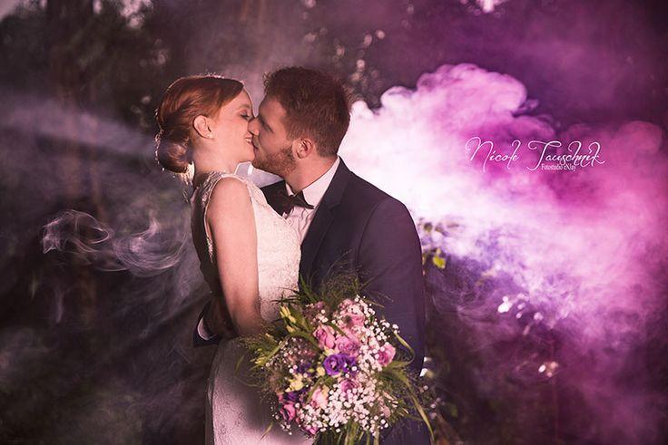 Hochzeitsbilder mit Rauchfackeln / Bengalos machen Außergewöhnliche Hochzeitsf…