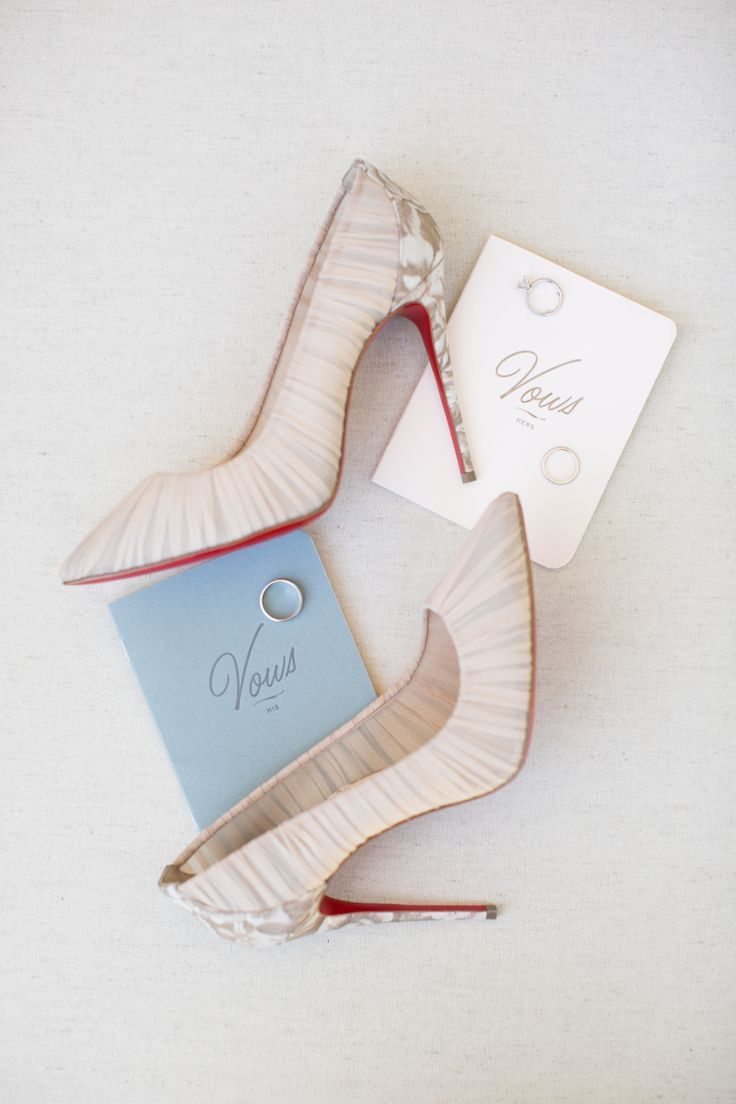 Red sole pumps: Photography : Jennifer Bagwell Photography Read More on SMP: http://www.stylemepretty.com/california-weddings/sebastopol/2017/01/26/this-pretty-vineyard-affair-wins-all-the-awards/