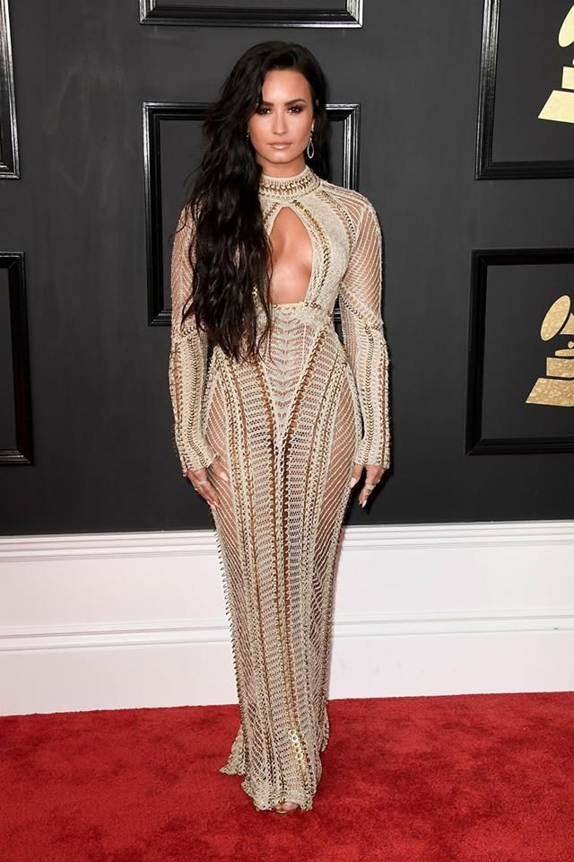 Demi Lovato Grammys 2017//IM SHOOK LOOK AT MY BABY IM PROUD