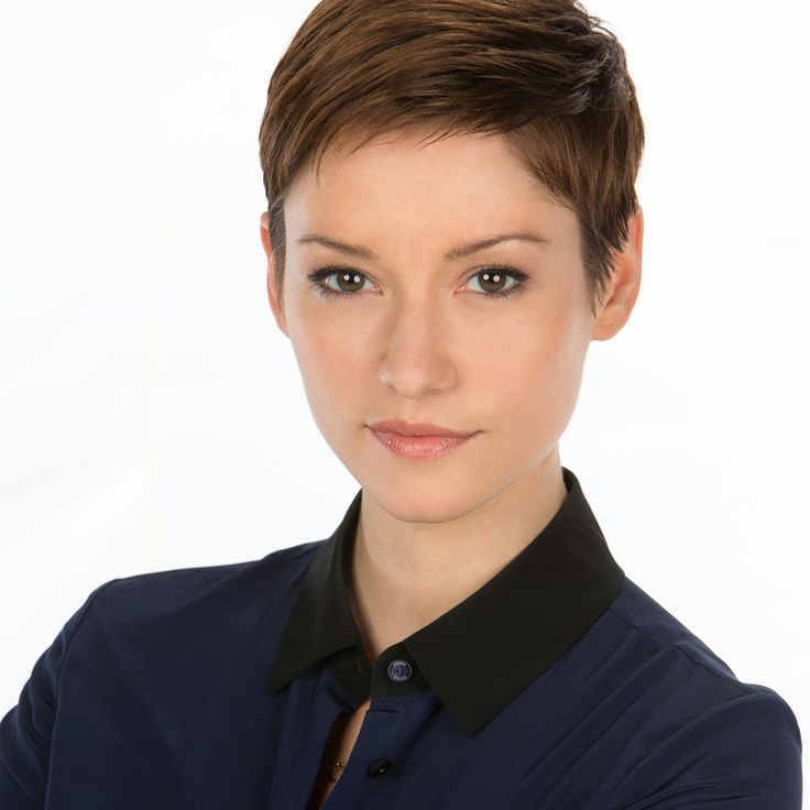 Chyler Leigh//adult, female, red hair, brown hair, auburn hair, freckles, short hair, pixie cut, brown eyes