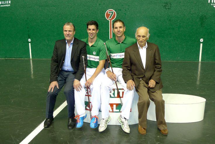 Remise de makhilas aux vainqueurs du Master de Biarritz en 2015